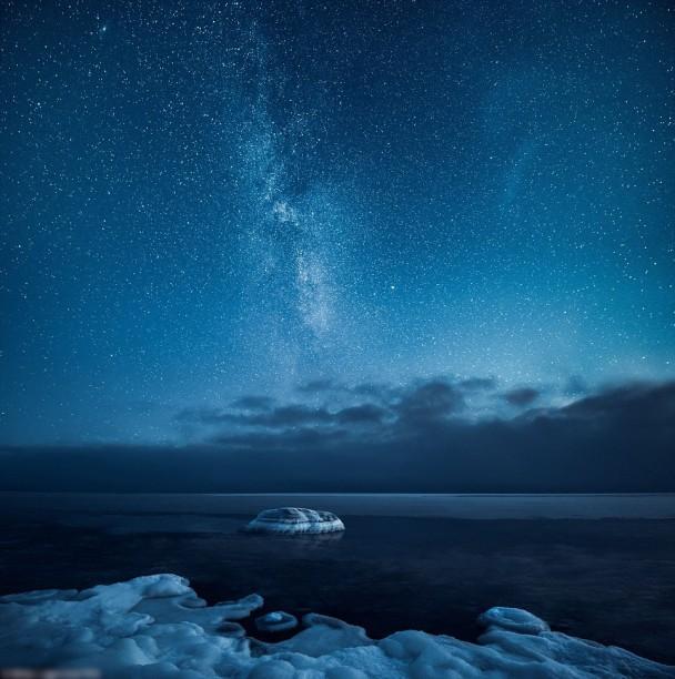 星空变幻莫测。
