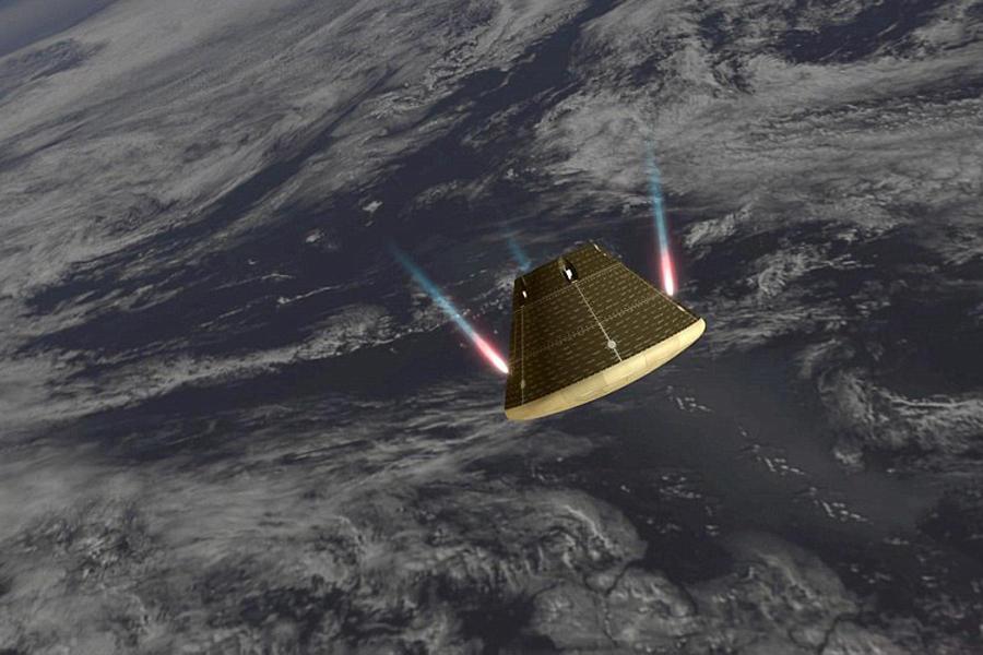 """""""猎户座""""宇宙飞船再入时表面温度达到2200摄氏度,大约为4000华氏度,速度为每小时2万英里,即每小时3.2万公里,溅落地点位于加利福尼亚湾以西大约275英里"""