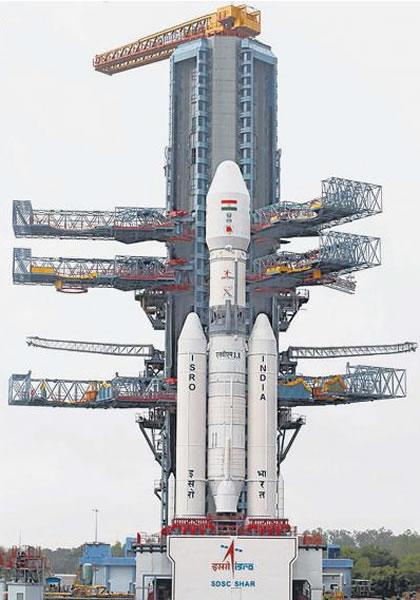印度太空研究机构成功试射一个重型火箭