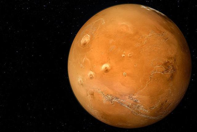 使用火箭前往火星的飞船需要进入霍夫曼转移轨道,而新方法的特点在于不需要使用复杂的地火轨道
