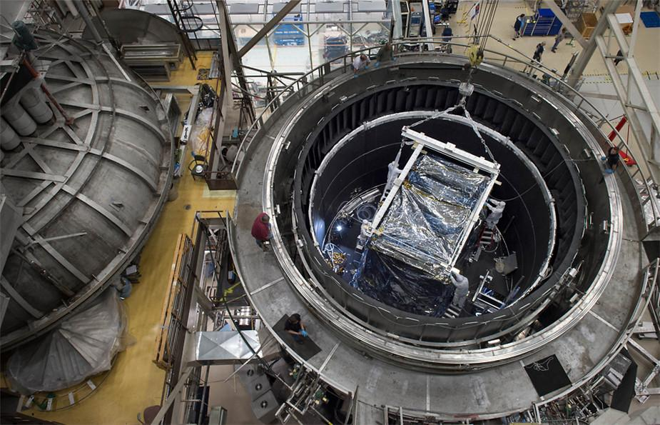 NASA的戈达德太空飞行中心,詹姆斯·韦伯太空望远镜的综合科学仪器模块(ISIM)。