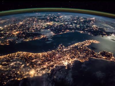 从国际太空站(ISS)拍摄的地球夜景