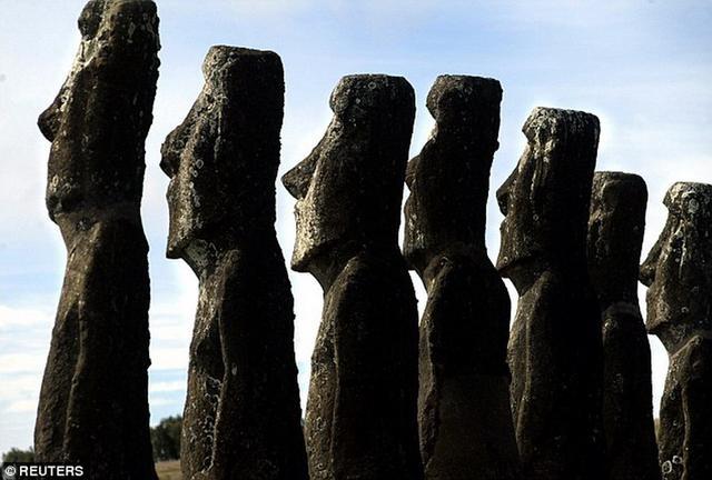 美国科学家最新研究表明,复活节岛文明衰落并非由于树木采伐和噬食同类造成的,而是欧洲殖民者奴役原住居民,传播致命疾病所致。
