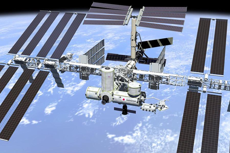 观测穹顶不仅是一处对地观测的绝佳平台,也是宇航员控制和指挥飞船对接的观察区,可以提供非常必要的辅助指令,并通过机械臂操作空间站之外的其他硬件。观测穹顶高度为1.