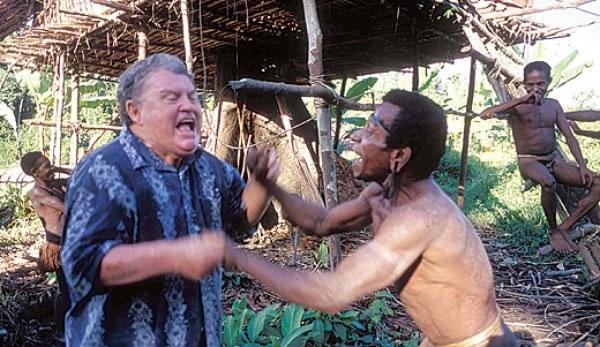 澳洲记者保罗‧拉法埃莱曾与「食人族」一起生活10年。