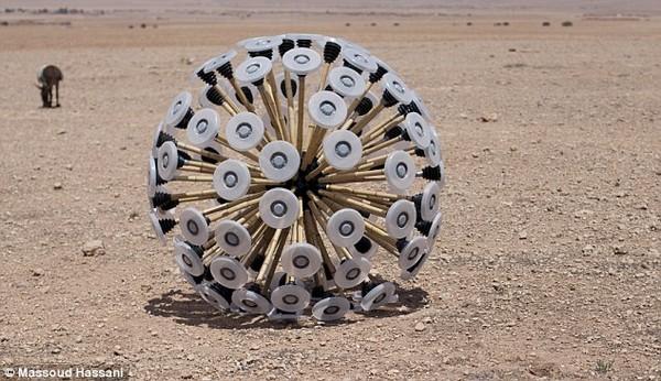 阿富汗的无人扫雷工具Mine Kafon