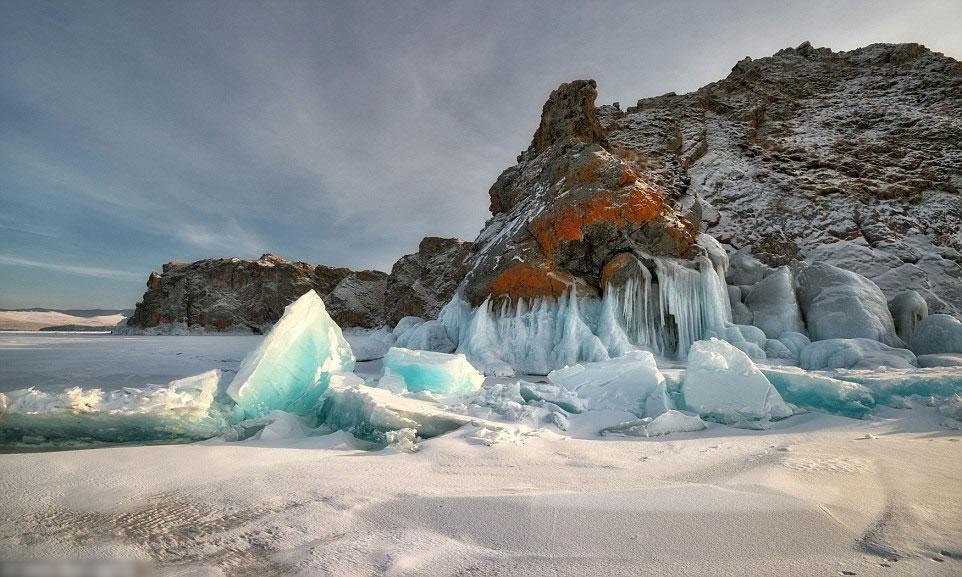 在西伯利亚,到处都是白茫茫一片。