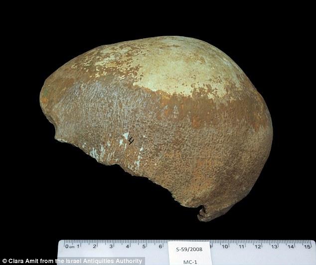 科学家在以色列发现一55000年前的人类头盖骨化石,研究人员认为这是人类进化史上一次重大发现,证明了人类起源于非洲。