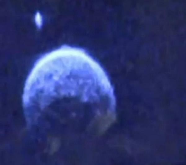 小行星2004 BL86带着一颗小卫星掠过地球