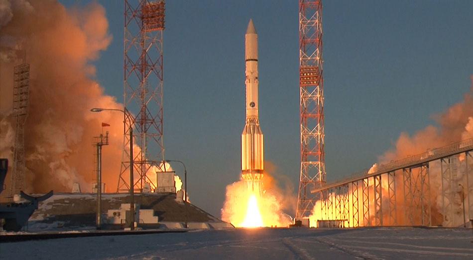 """俄罗斯用""""质子-M""""运载火箭为英国发射大型通信卫星""""Inmarsat-5F2"""""""