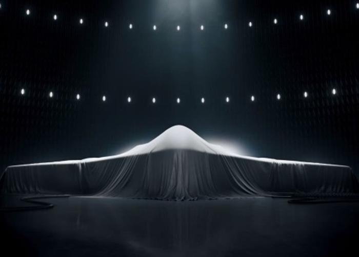 这架神秘飞翼军机,极可能是美军下一代长程打击轰炸机。