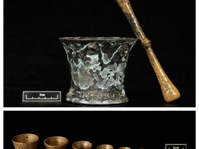 """美国考古学家在""""黑胡子""""海盗爱德华·蒂奇的沉船""""安妮女王复仇号""""发现医疗器械"""