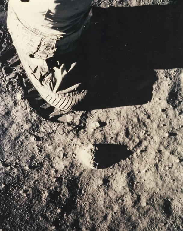 阿尔德林在月球上的足印
