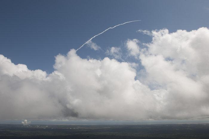 """欧洲航天局""""迷你航天飞机""""IXV成功返回地球"""