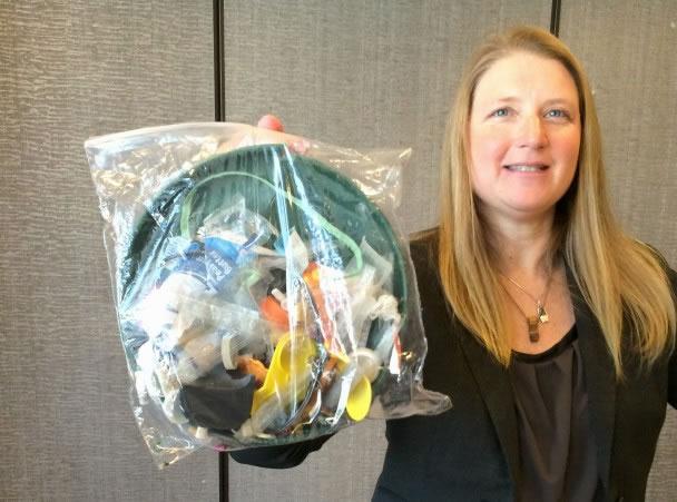 每年约有880万吨塑胶抛落全球的海洋