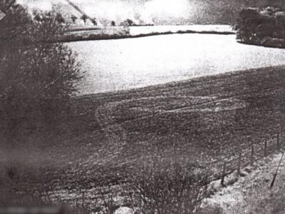 英国解密文件显示二战麦田圈疑是内奸助德军空袭