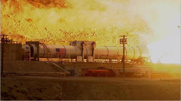 美国NASA成功测试新型火箭推进器(Space Launch System,SLS)