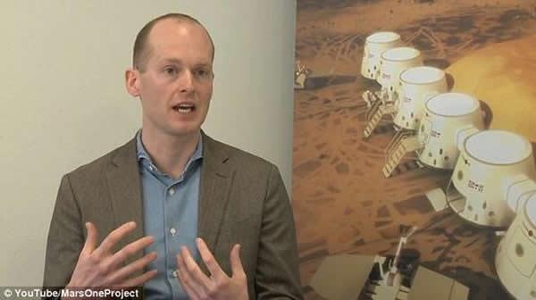 """荷兰""""火星一号""""公司首席执行官巴斯-朗斯多普。有报道称一些申请者花钱买名次,让自己进入下一轮的竞争,朗斯多普对这种报道予以否认。还有报道称""""火星一号""""移民计划的"""
