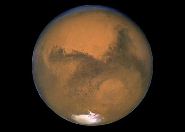 由于技术及资金所限,人类仍未能做出登陆火星的壮举。