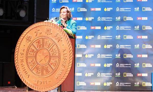 """""""我和海洋有个约会""""——""""深海女王""""Sylvia Earle呼吁保护鲨鱼"""