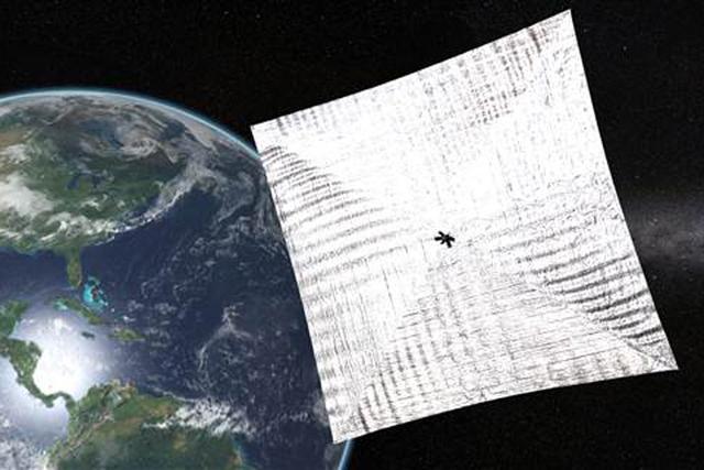 LightSail太阳帆探测器使用了超薄聚脂薄膜塑料,展开后的面积为344平方英尺,大约为31平方米