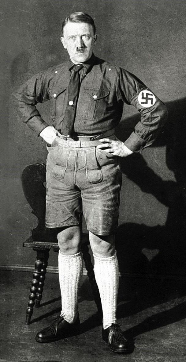 据悉希特勒的短裤照当时遭纳粹禁止传阅