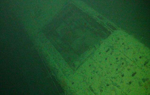 萨拉森号的残骸轮廓仍清晰可见
