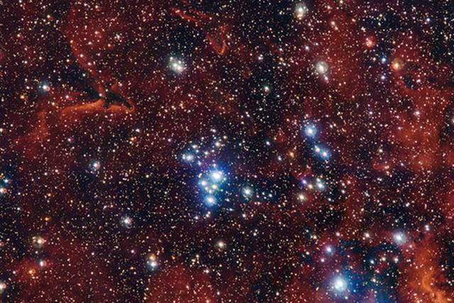 疏散星团NGC 2367距离我们大约7000光年,位于大犬座方向上,在晚上时我们可以通过小型望远镜看到
