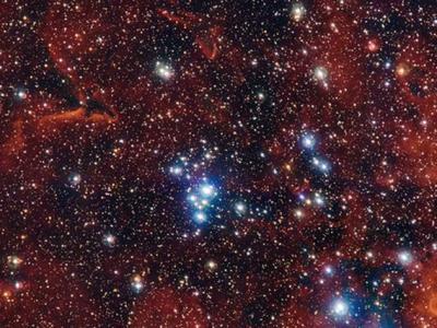 欧洲南方天文台拍摄疏散星团NGC 2367庆祝美国独立日