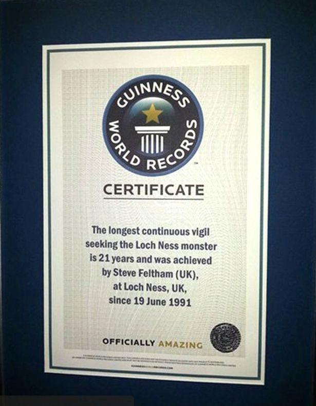 史蒂芬的坚持让他获得了吉尼斯世界纪录,成为世界上最持久的尼斯湖狩猎人。