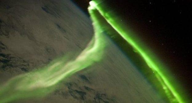 地球的北极极光多呈绿色