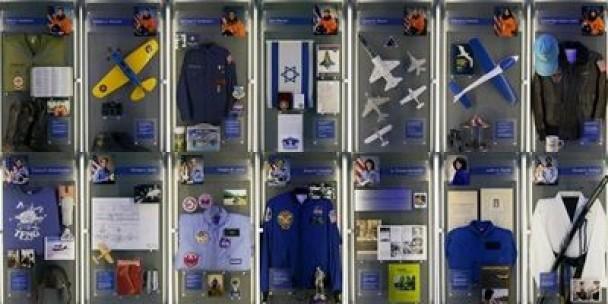 纪念馆展出各太空人的个人物品