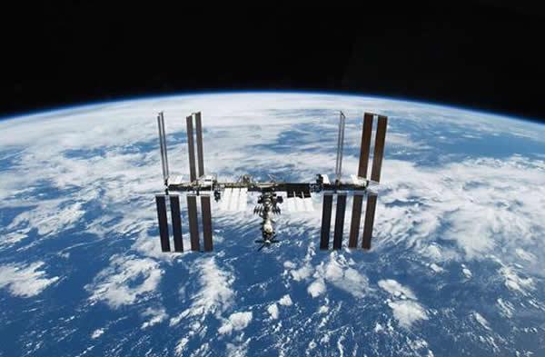 自1998年国际空间站组建以来,17年后才有了第一个中国实验项目,而全世界能独立发射载人飞船的国家只有中美俄三家。