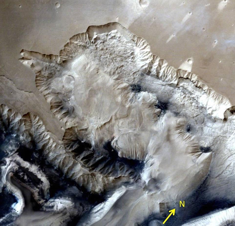 此照片拍摄于距火星地表1857公里的高空