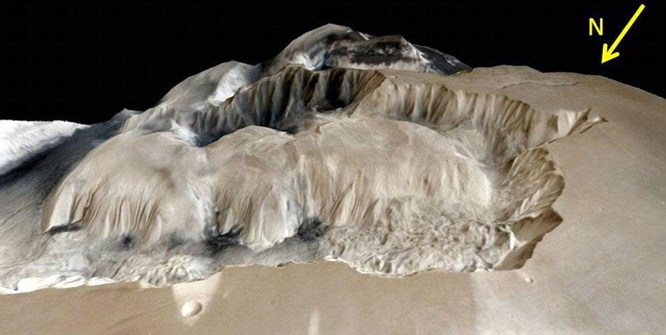 峡谷的边缘是由于地层运动而形成的高崖