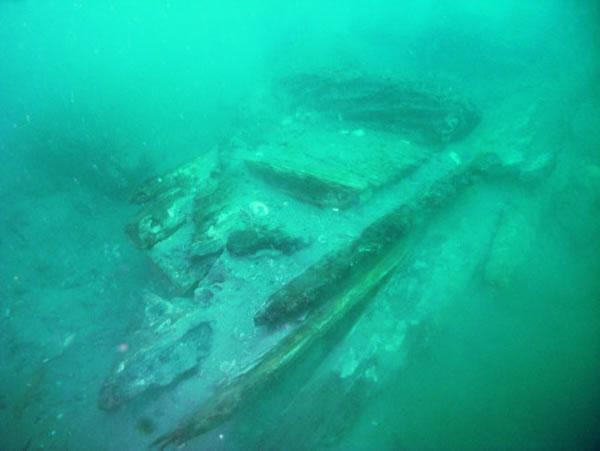 此前发现的军船残骸