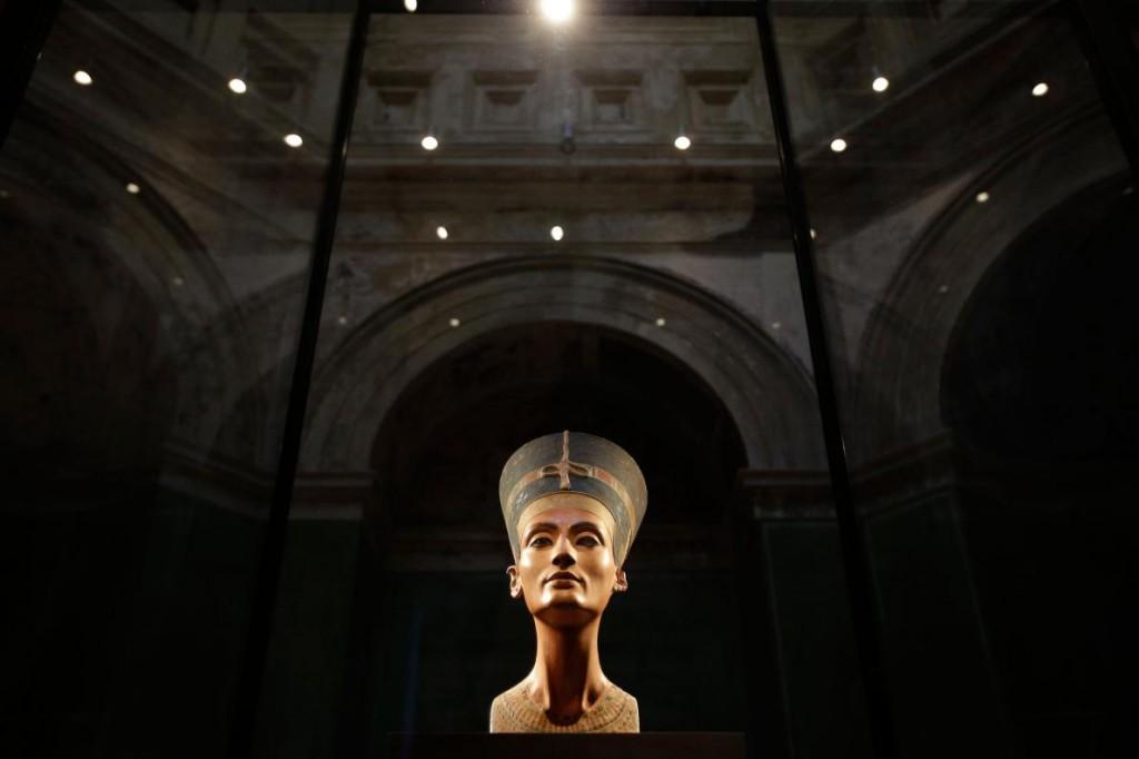 找寻古埃及日本邪恶漫画大全重口味王后纳芙蒂蒂