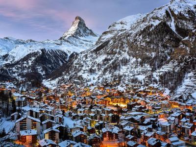 瑞士清晨的马特峰