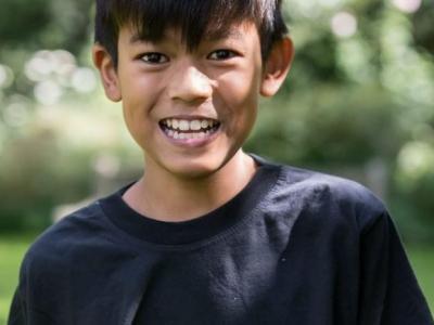 """英国9岁男童Zain Ackrim征服非洲第一峰""""乞力马扎罗山""""创纪录"""