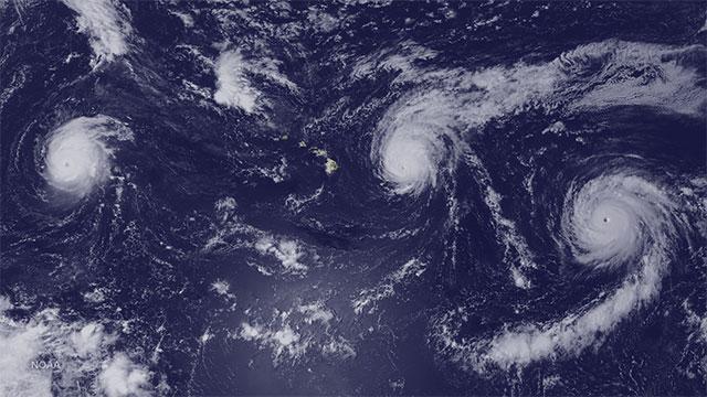 太平洋海域出现三个巨大飓风眼:Kilo、Ignacio和Jimena