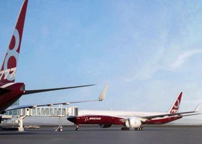 机翼折起翼尖后,方便客机在机场停泊。