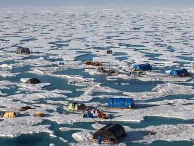 俄罗斯北极研究所困浮冰 科学家大逃亡