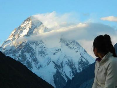 美国24岁女子勇闯全球第2高峰乔戈里峰 只为安葬遇上雪崩身亡的父兄尸骸