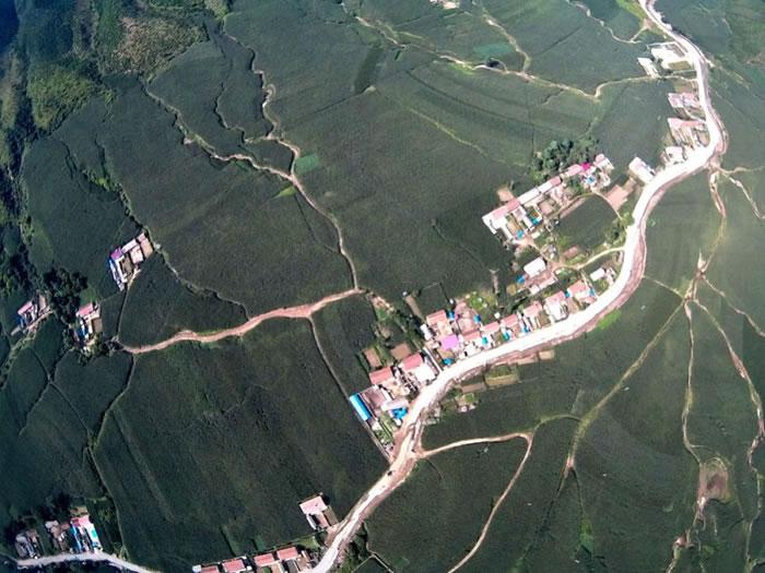 岫岩陨石坑内有村民居住
