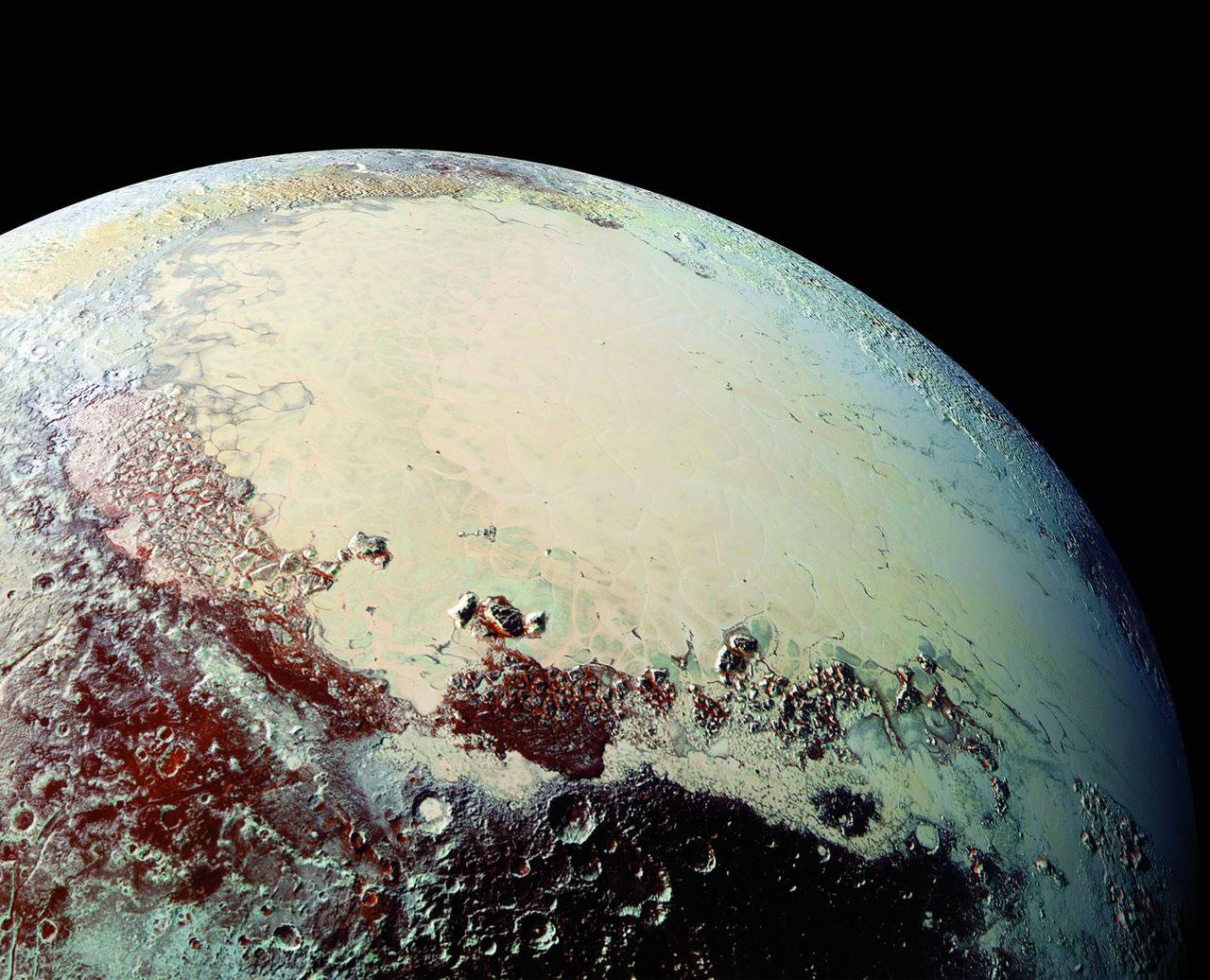 最新照片显示冥王星表面色彩丰富