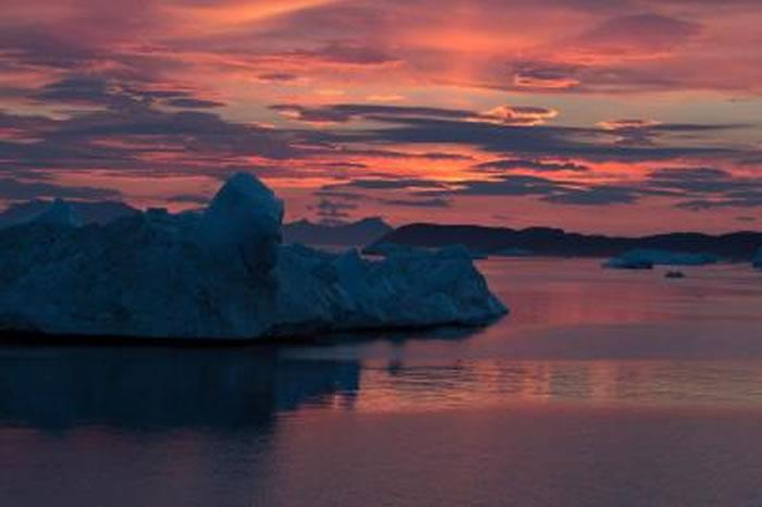 格陵兰岛东北Zachariæ Isstrøm冰川开始快速消退