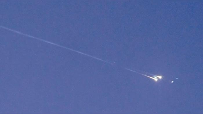 不明物体WT1190F穿过地球大气层在印度洋上空燃烧殆尽