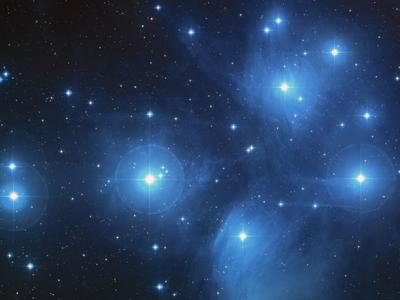 发现正在形成星团的巨型分子云