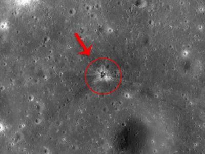 """发现43年前阿波罗16号飞船""""失联""""火箭助推器碰撞在月球表面的""""人造陨坑"""""""