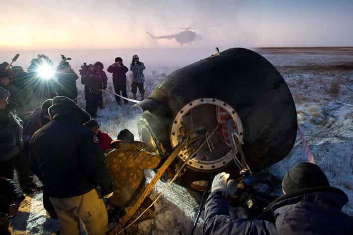 """""""联盟TMA-17M""""飞船在哈萨克斯坦境内成功完成夜间着陆 宇航员""""状态很好"""""""